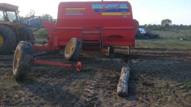 Broken axle on mixer